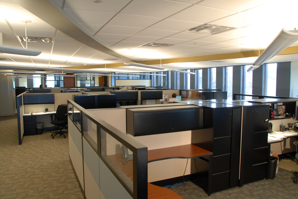 Carmeuse North American Headquarters office was designed to provide natural light to all employee occupied spaces. An open floor plan allows for the entire staff to share in enjoying the dynamic panorama of Pittsburgh that the 20th and 21st floors of 11 Stanwix Street have to offer